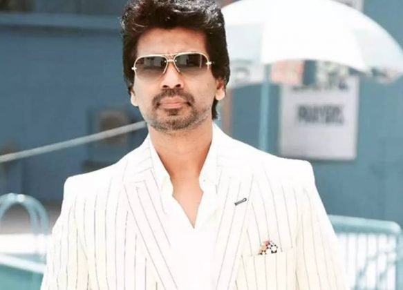 Nikhil Dwivedi as Tyagi