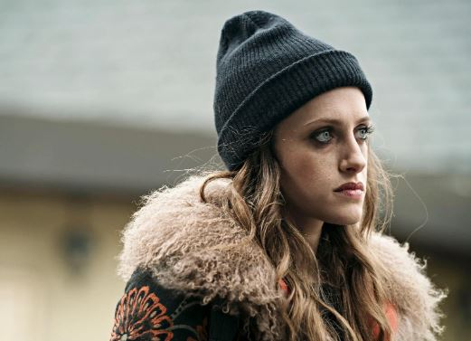 Carly Chaikin as Darlene Alderson