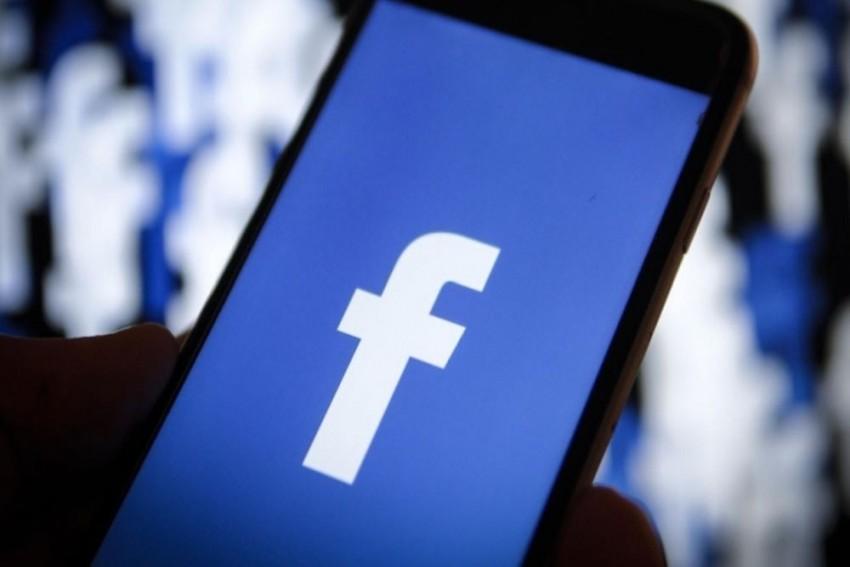 Facebook Removes Fake Accounts