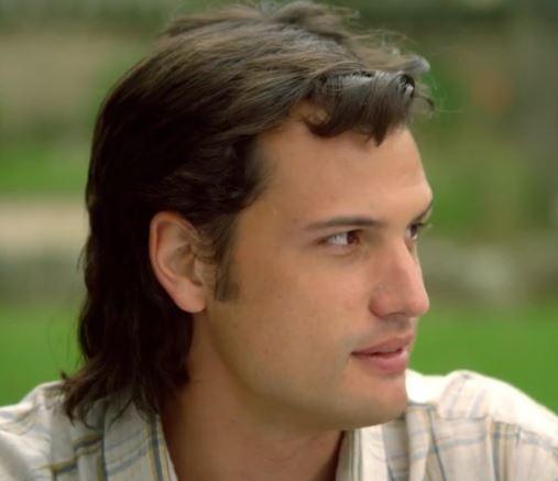 Roberto Urbina as Fabio Ochoa