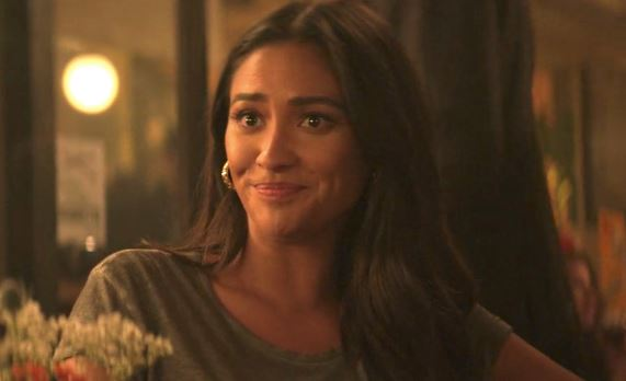 Shay Mitchell as Peach Salinger